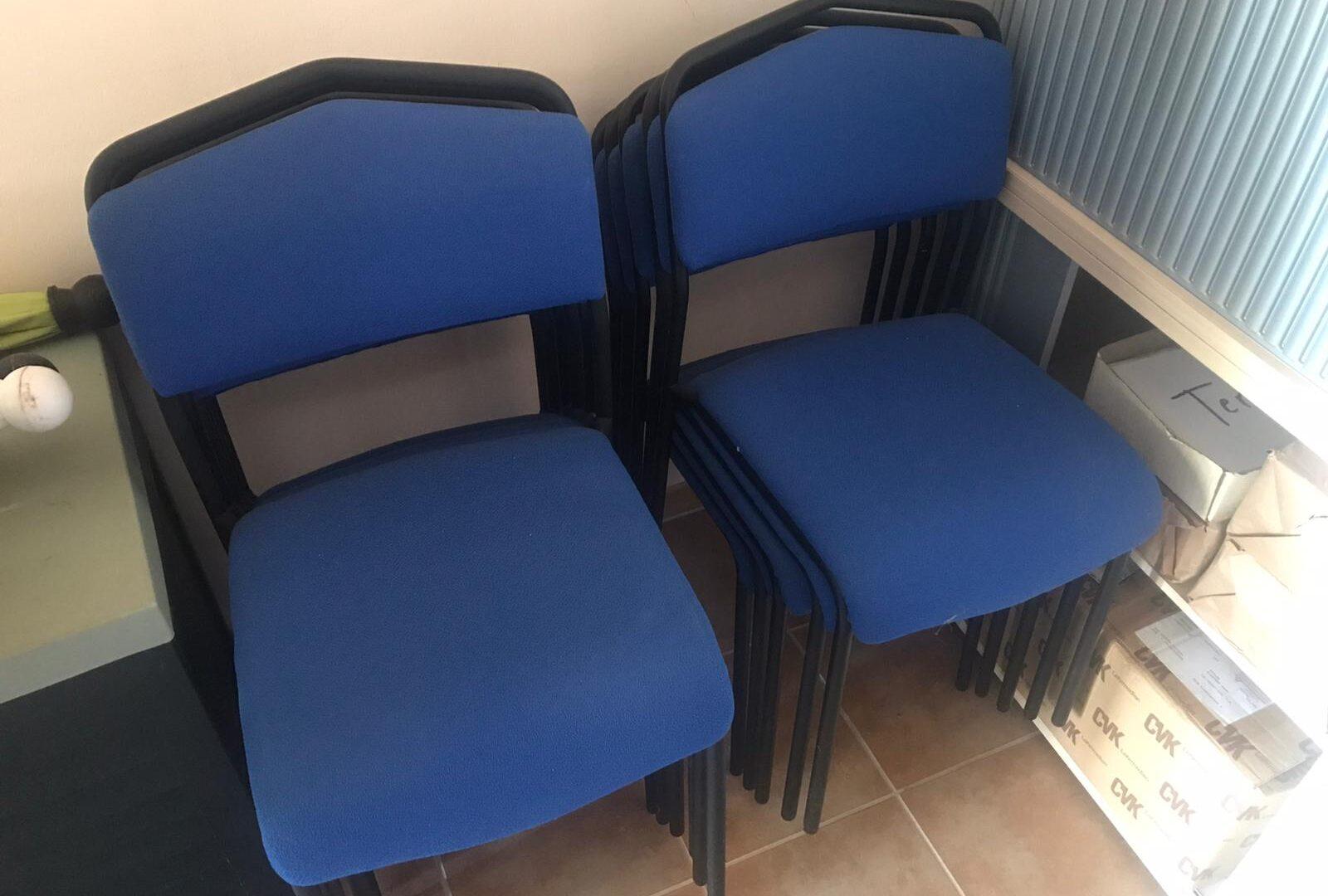 Stühle zu verschenken